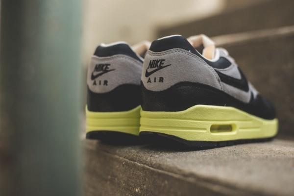 "Nike WMNS Air Max 1 Vintage ""Black / Grey"" 4"