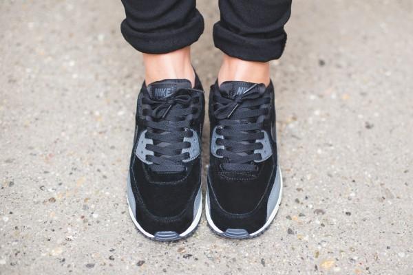 Nike WMNS Air Max 90 Leather - Black/Metallic Hematite-Dark Grey-Sail 3