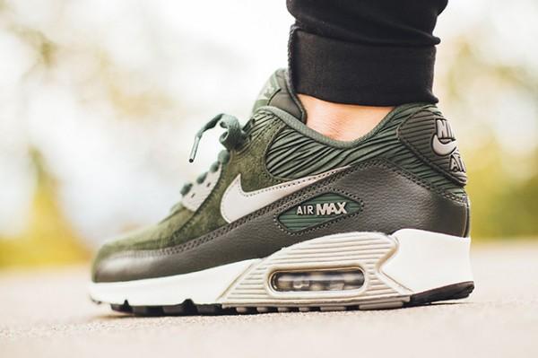 Nike WMNS Air Max 90 Leather - Carbon Green/Metallic Pewter-Sail 3