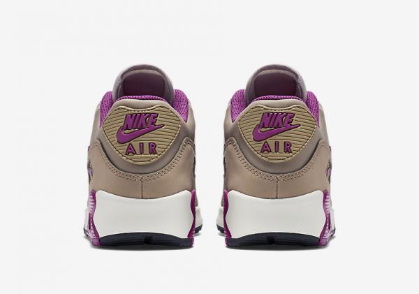 """Nike WMNS Air Max 90 """"Lilac"""" 4"""