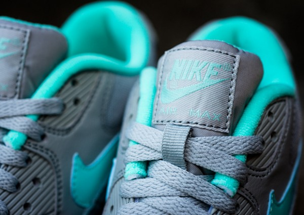 Nike WMNS Air Max 90 – Silver / Hyper Turquoise 3