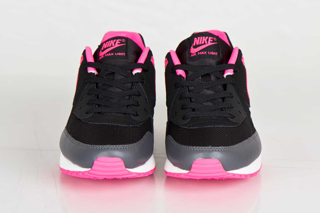 nike-wmns-air-max-light-hyper-pink-3