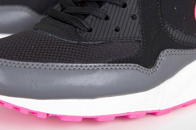 nike-wmns-air-max-light-hyper-pink-5