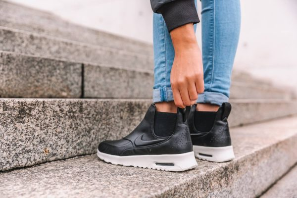 Nike WMNS Air Max Thea Mid - Black/Sail-Reflect Silver 2