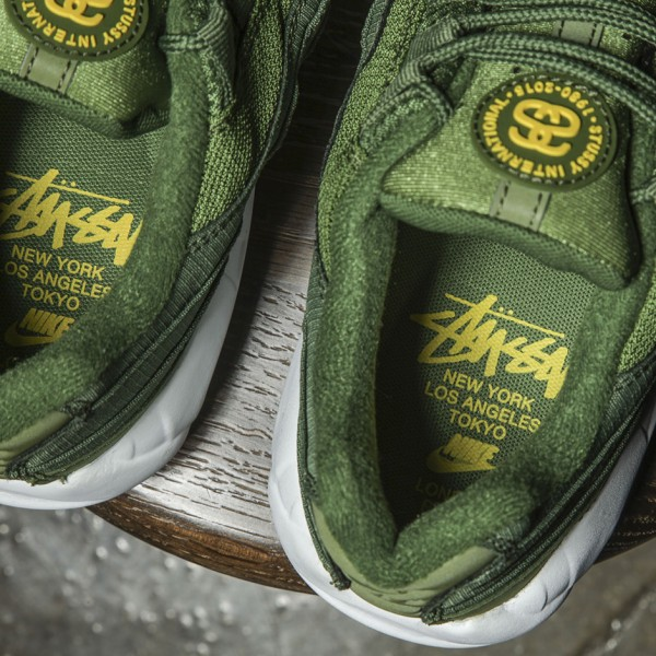 Stussy x Nike Air Max 95 Collection 42