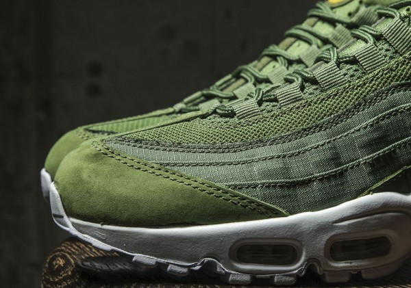 Stussy x Nike Air Max 95 Collection 43