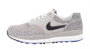NIKE AIR SAFARI VNTG – CLASSIC STONE