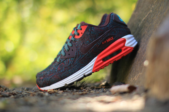 "Nike Air Max Lunar90 ""Suit & Tie"" Collection"