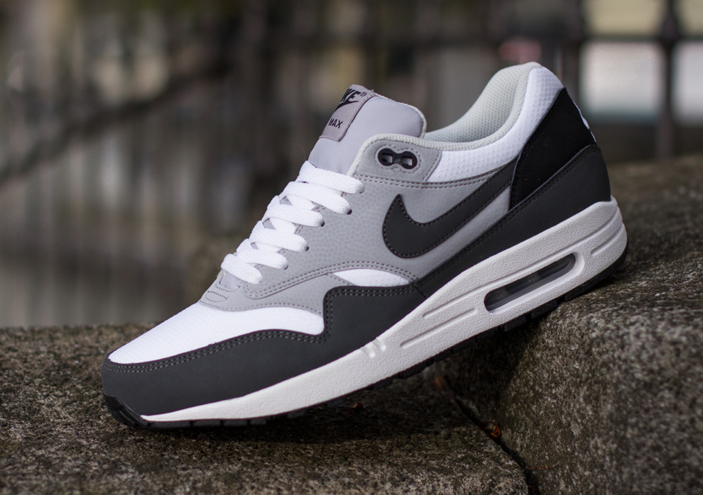 Nike Air Max 1 Essential 2014