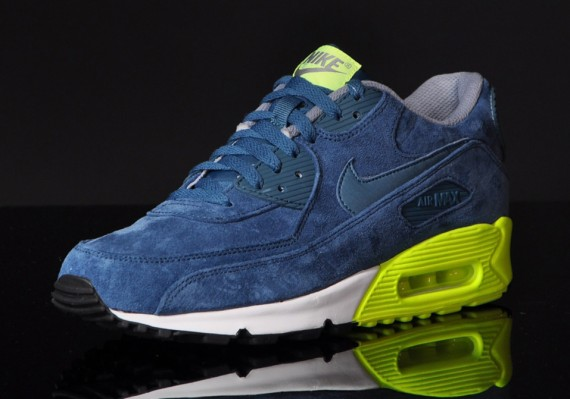 Air Max 90 Premium Night FactorVolt