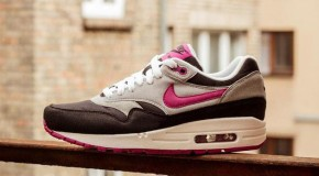 Nike Air Max 1 WMNS – Black/Rave Pink – Wolf Grey
