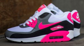 NIKE AIR MAX 90 (COOL GREY/BLACK/HYPER PINK)