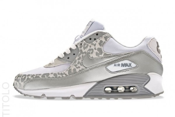 Nike WMNS Air Max 90 White Metallic Silver Wolf Grey