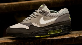 Nike x Dave White Air Max 1