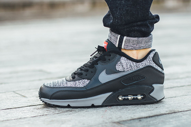 insidesneakers • Nike Air Max 90 Essential Black Metallic