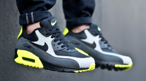 Nike Air Max 90 Leather – Black / Grey – Volt