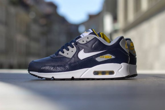 official photos 2d9f8 e0a95 Nike Air Max 90 Leather – Obsidian