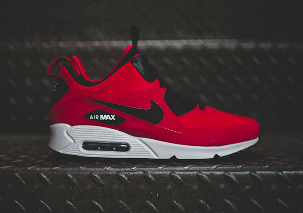 nike air max 90 mid winter gym red black wolf grey. Black Bedroom Furniture Sets. Home Design Ideas