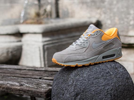 Nike Air Max 90 Pale Grey Laser Orange
