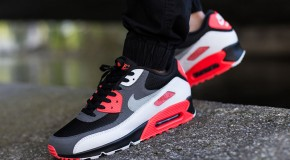"Nike Air Max 90 ""Reverse Infrared"""