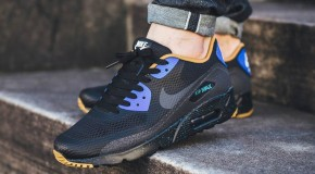 Nike Air Max 90 Ultra Essential – Black/Metallic Gold-Racer Blue