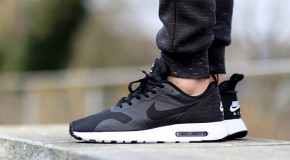 Nike Air Max Tavas – Black / White