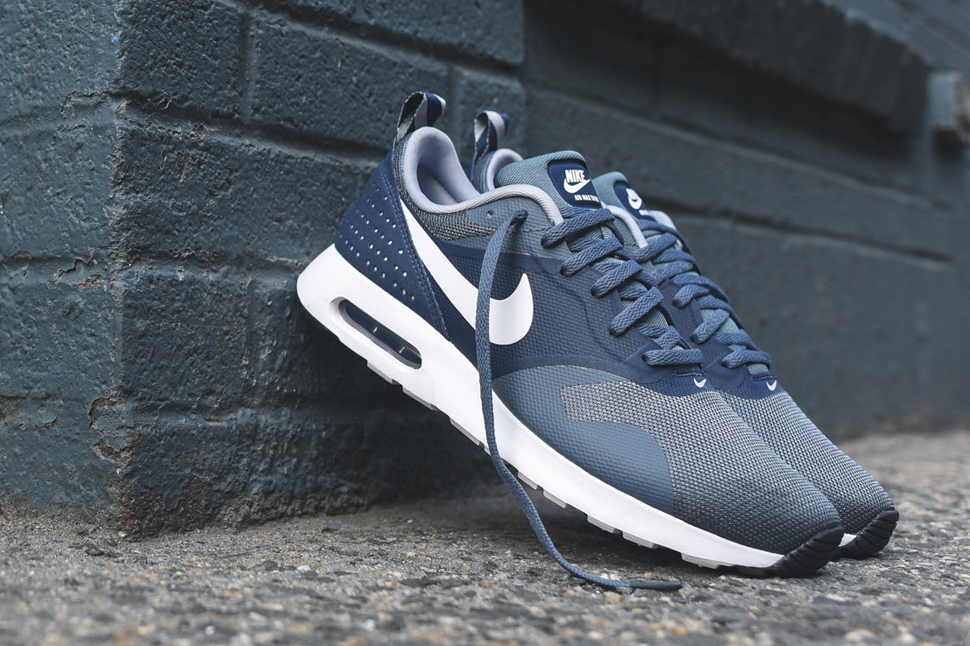 Nike Air Max 90 Essential Midnight Navy post image | Nike