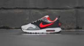 Nike Air Max Tavas – Grey / Bright Crimson