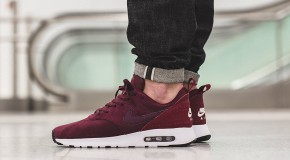 Nike Air Max Tavas Leather – Night Maroon/Team Red-Sail