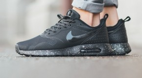 Nike Air Max Tavas SE – Black/Metallic Pewter