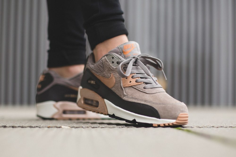 damen nike air max 90 leather iron/rote bronze