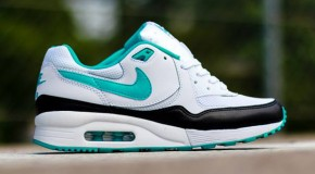 Nike WMNS Air Max Light – White / Dusty Cactus – Black