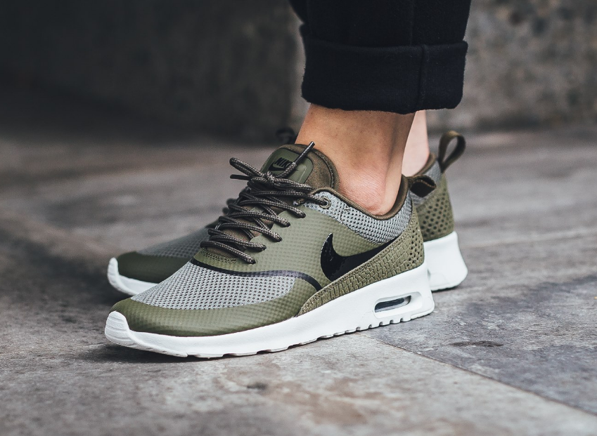 Nike WMNS Air Max Thea – Medium OliveBlack Summit White