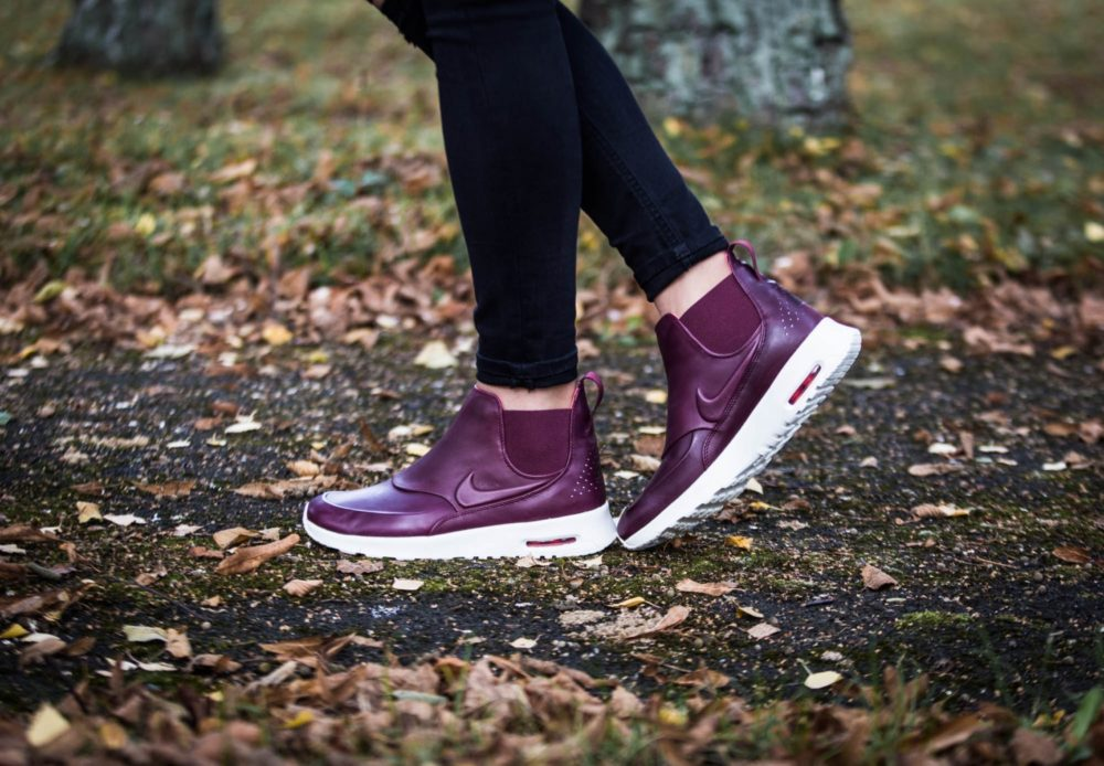 buy popular 1628e 3d763 Nike WMNS Air Max Thea Mid – Night Maroon Sail-Ember Glow