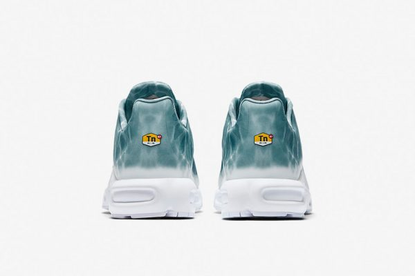 nikelab-air-max-plus-le-requin-6